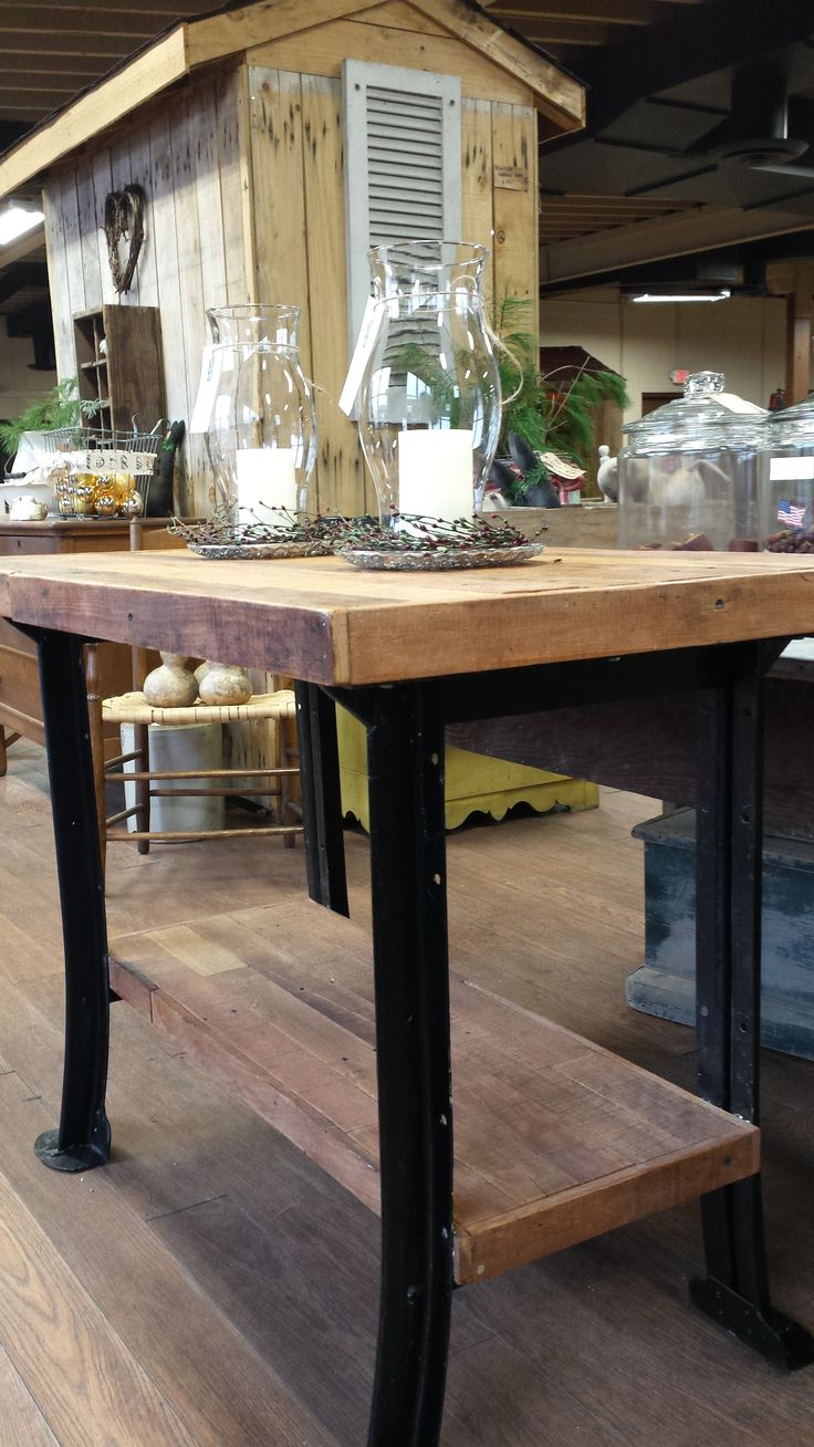 Industrial pallet kitchen island sooo cool booth 55 for Booth kitchen island