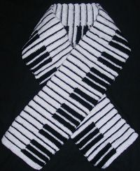 free crochet pattern for a piano-scarf