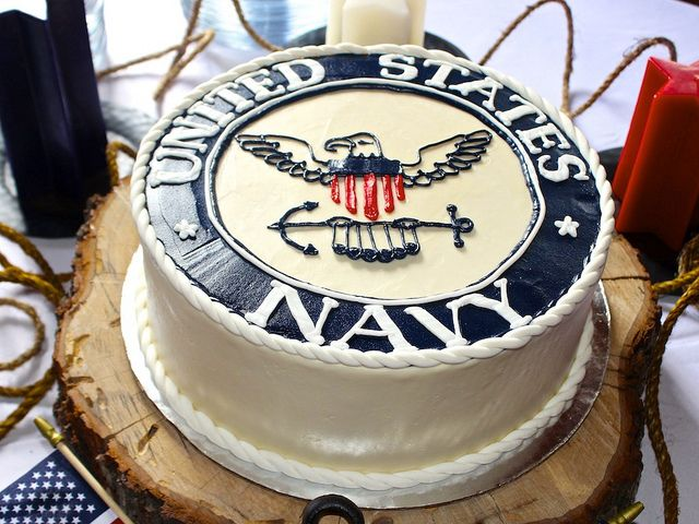 I like this idea of a US Navy Cake. Very simple yet to the point. This would be a good choice for my sons Graduation / US Navy Going Away party.
