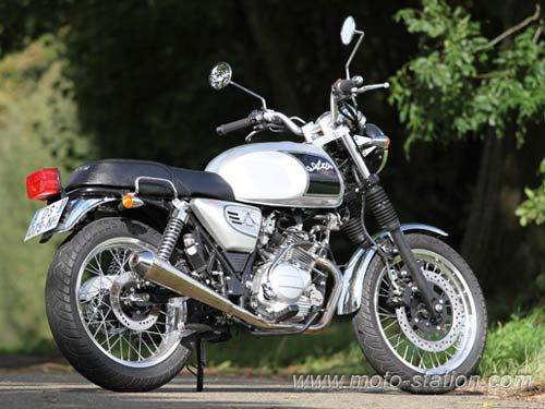 Mash Seventy Five Vintage vs Orcal Astor 125 : Le comparatif Moto-Station