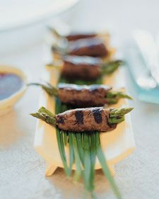 Beef and Asparagus Negimaki ~   Pass around trays of this grilled asparagus and beef tenderloin appetizer at your New Year's bash.