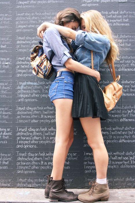 seekbi.com --- #lesbian love