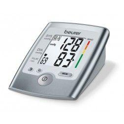 Tensiomètre à bras Beurer BM 35. Ce tensiometre medical mesure la tension arterielle au bras et possède un large écran très lisible pour des mesures automatiques
