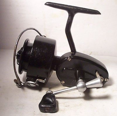 Vintage mitchell 300 made in france spinning spin fishing for Vintage fishing reels