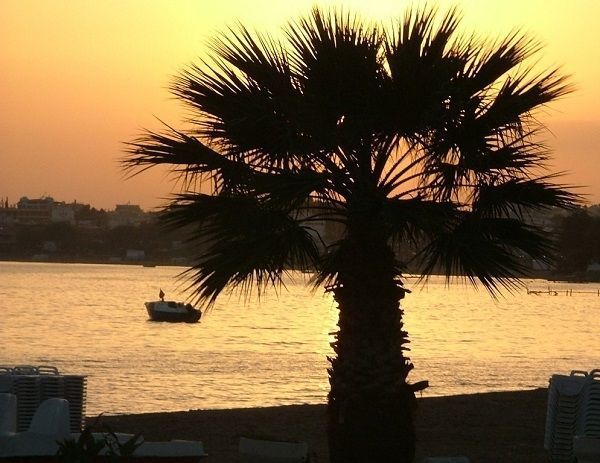 An Altinkum sunset in Turkey - 4 Popular Expat Places for Living in Turkey