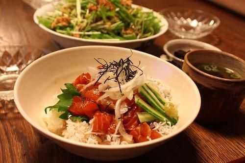 salmon sashimi rice bowl