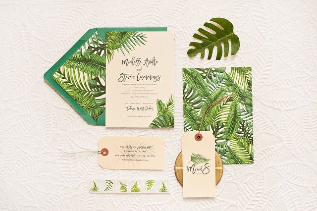 Tropical Leaf Destination Wedding Invitations by Suite Paperie / Photo by Lindsay Nathanson / Oh So Beautiful Paper