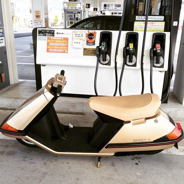 いいね!197件、コメント34件 ― TOSHIさん(@sonic_crafty)のInstagramアカウント: 「初めて昼間に乗りガソリンを入れに行ってみした。 恥ずかし過ぎて乗れたものでは ありまてんマジ There is no these culture in Japan So it seems…」