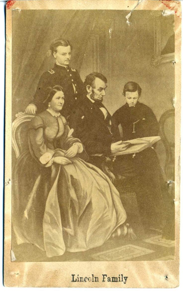 CIVIL WAR CDV PHOTO OF PRESIDENT ABRAHAM LINCOLN AND HIS FAMILY DATED 1865