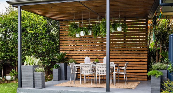 Transform your pergola into a gorgeous entertaining space.