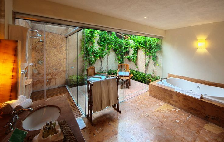 Tropische badkamers van José Vigil Arquitectos