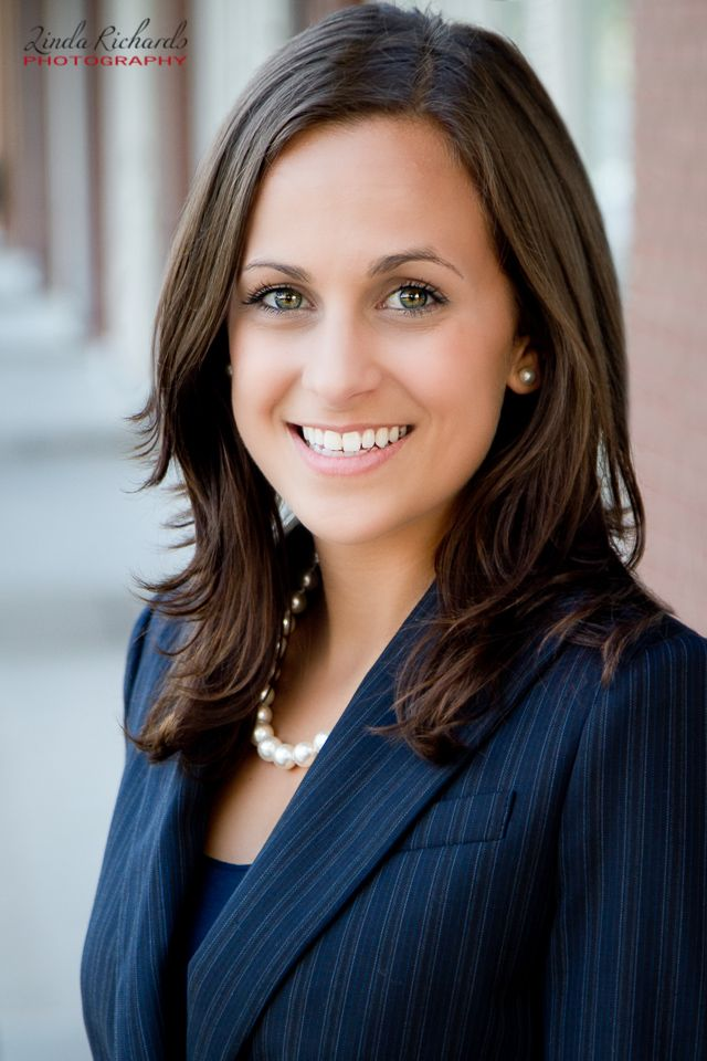 How to: Choose what to wear for your professional headshot | Linda Richards Photography