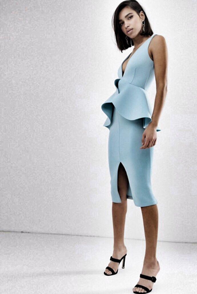 4860763b99e56 Lavish Alice - Vestito peplo in tessuto scuba blu polvere con volant 💙 # dresses #