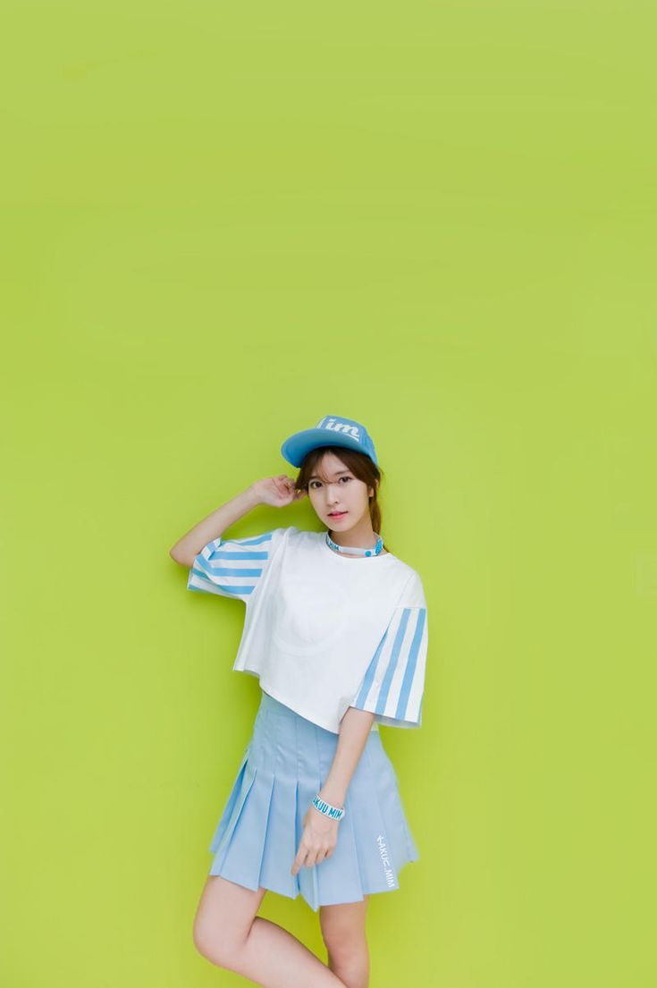 stripe sleeve crop tee white from Kakuu Basic. Saved to Kakuu Basic Tees & Tops.