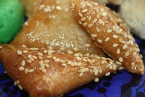 This recipe is another staple in Morocco. So, of course I had to give it a go. These are crispy yet soft and so sweet and delicious. They are quite easy to make, just be careful not to burn yourself on the oil.