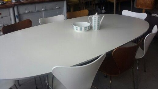 Table superellipse from the 60's piet hein & jacobsen chairs Jacobsen