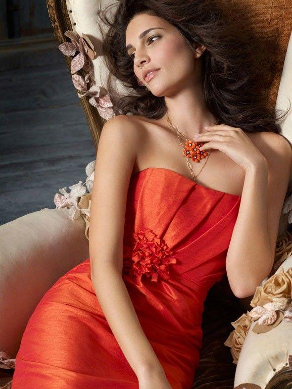 Sonnenuntergang Dupionseide trägerlos Knie Länge Brautjungfer Kleid mit Blume plissierten Mieder $247.14 Brautjunferkleider