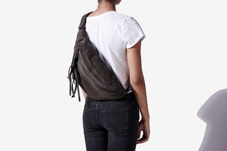 Yvonne Koné_Ovrsized bum bag