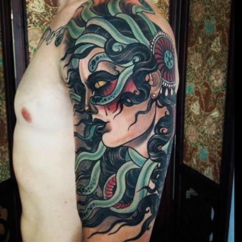Tatuaggio Medusa con i serpenti in testa