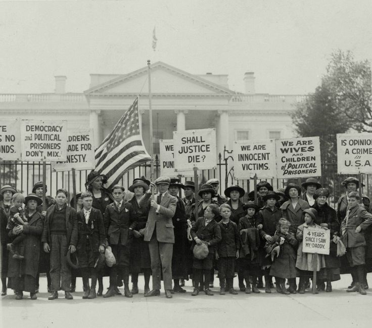 The families of political prisoners protest against the espionage act of 1917 outside the White House, Washington D.C., 1922