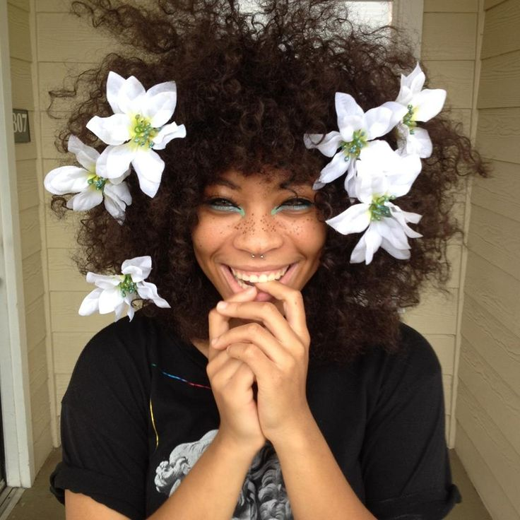 "SZA - Alternative Hair & Body Art - Funky Fashions - FUNK GUMBO RADIO: http://www.live365.com/stations/sirhobson and ""Like"" us at: https://www.facebook.com/FUNKGUMBORADIO"