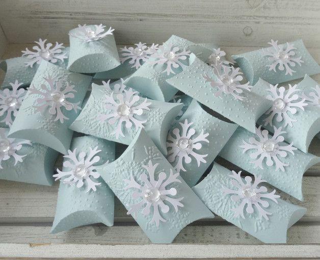 Deko und Accessoires für Weihnachten: Teeblume in winterlicher Verpackung, 10er Set made by Este-KlamotTEE via DaWanda.com