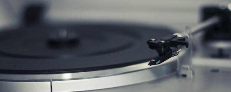 Levy-yhtiö Svart Records tiedotti Facebook-sivullaan aikovansa julkaista vaikuttavan määrän kotimaisia vinyylilevyjä uusintapainoksina.