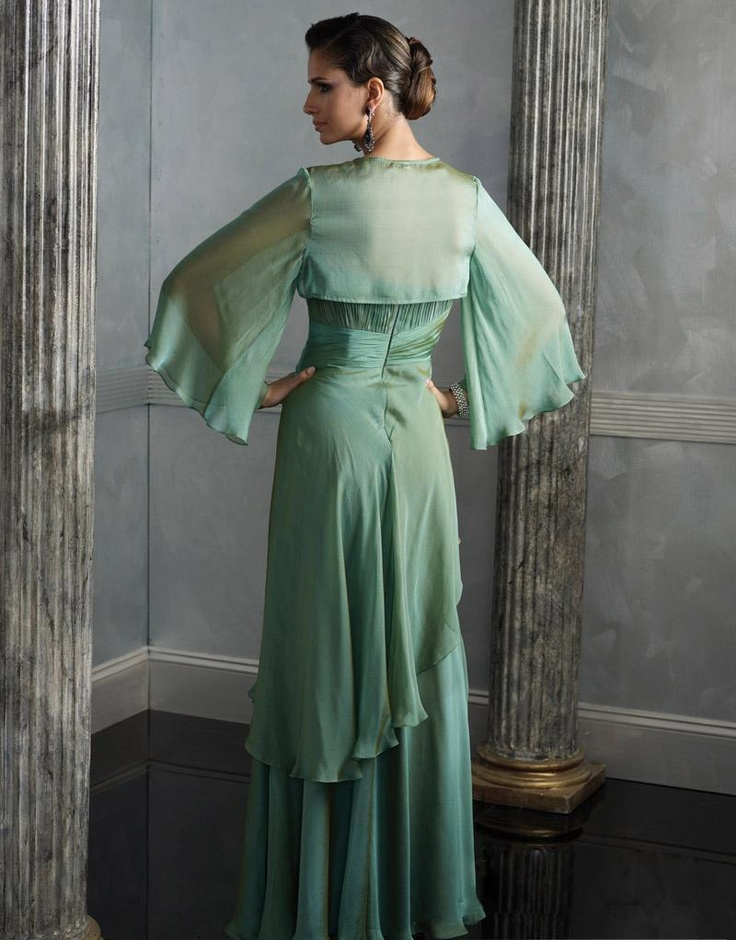 Love the elegance of this dress!