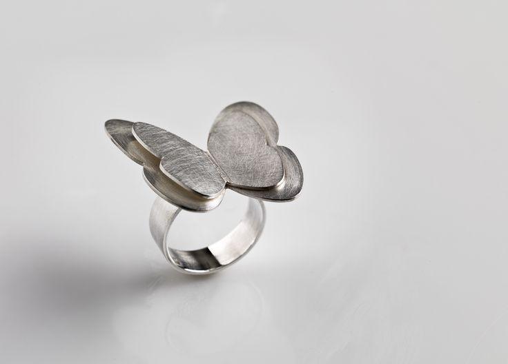 Marie-Bénédicte de Schryver - Juweelontwerpster - Goudsmid - Juweelontwerp - Collectie hedendaagse juwelen - Gouden en zilveren ringen