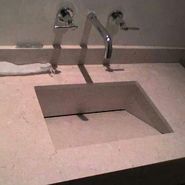 Lavamanos de marmol contruido por piezas y griferia encrustada de grifox