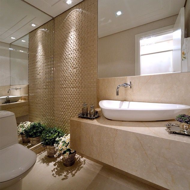 52 best images about crema marfil spaces on pinterest garden buildings un and principal for Best paint color for crema marfil bathroom
