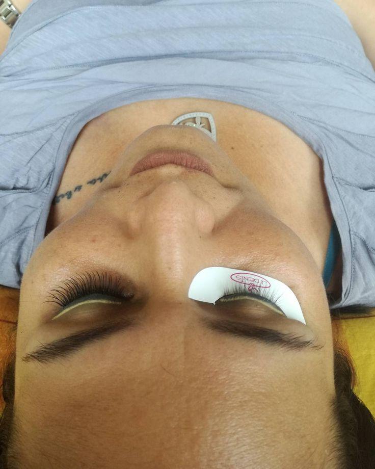 Pestañas de mink @jdenismx  me encantan !! #makeup #instamakeup #cosmetic #cosmetics #TFLers #fashion #eyeshadow #lipstick #gloss #mascara #palettes #eyeliner #lip #lips #tar #concealer #foundation #powder #eyes #eyebrows #lashes #lash #glue #glitter #crease #primers #base #beauty #beautiful http://ameritrustshield.com/ipost/1546957697945294417/?code=BV35dSEldZR