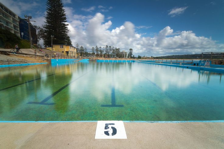 Dee Why Rock Pool is a lovely location on the Northern Beaches of Sydney. It is full of activity, with people exercising, swimming, yoga and just enjoying the sun and beautiful location. During Autumn and winter the pool in relatively empty.