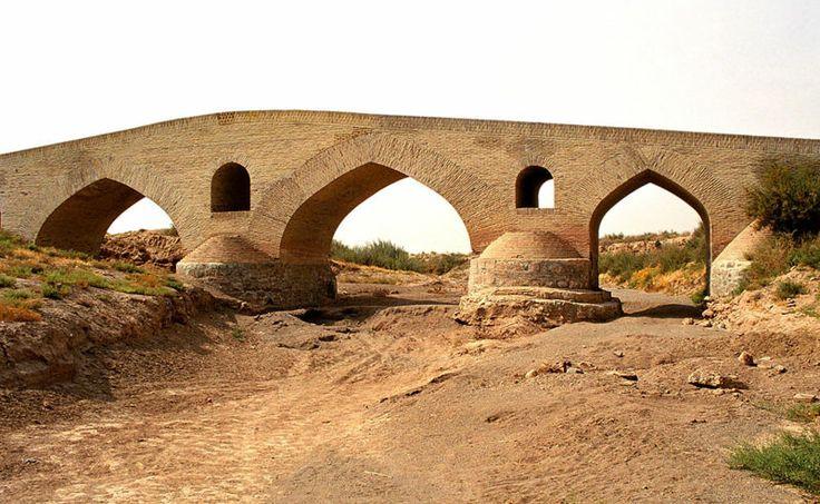 215 best Safavid Empire images on Pinterest   Islamic art ...