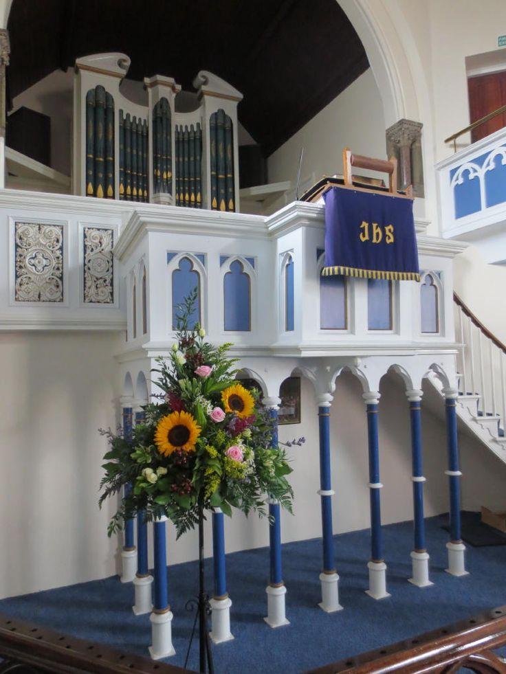 Church flowers #weddings #flowers #sunflowers #church