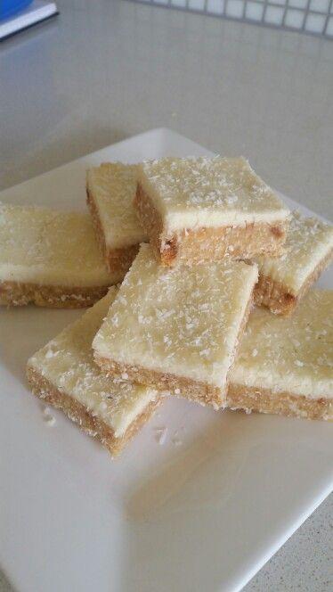 My version on fructrose free lemon slice. Lemon juice used in the icing