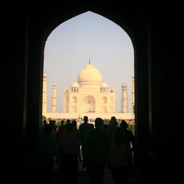 #mytajmemory Legede turister i dag da vi besøgte Taj Mahal  Funfact: Slottet i Disneys Aladdin er inspireret af Taj Mahal  #tajmahal #agra #agrabah #disney #aladdin #newdelhiboyz #bollywoodboyz by jakob_lerche #IncredibleIndia #tajmahal