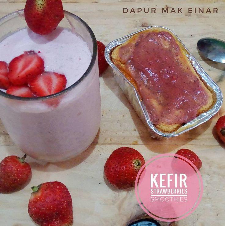 Minuman sehat untuk keluargaku. Kefir strawberry smoothies... #kefir #kefirbali #ketofastosis #sehat