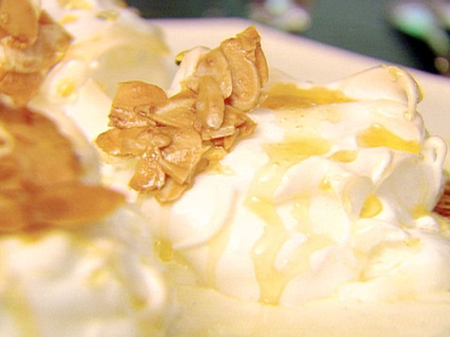 Ile Flottante Recipe : Ina Garten : Food Network. Fancy but means floating island! Wanna try!