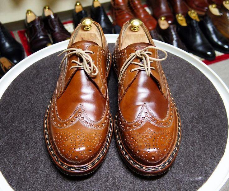 Heinrich Dinkelacker  明日は買い物に行かないといけないのでこちらにします コードバンクリーム使うとマットになりますね #heinrichdinkelacker #cordovan #shoes #mensshoes #shoecare #ハインリッヒディンケラッカー #ハインリッヒディンケルアッカー #コードバン #紳士靴 #革靴 #靴磨き #シューケア