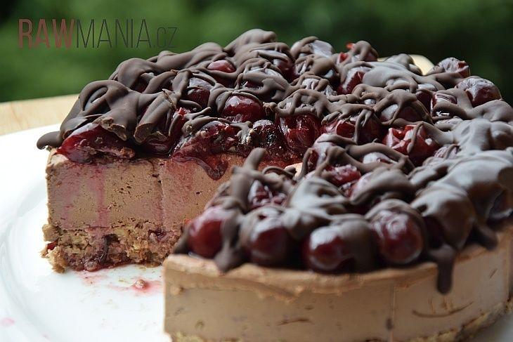 Raw čokoládovo-višňový dort - RAWMANIA.cz