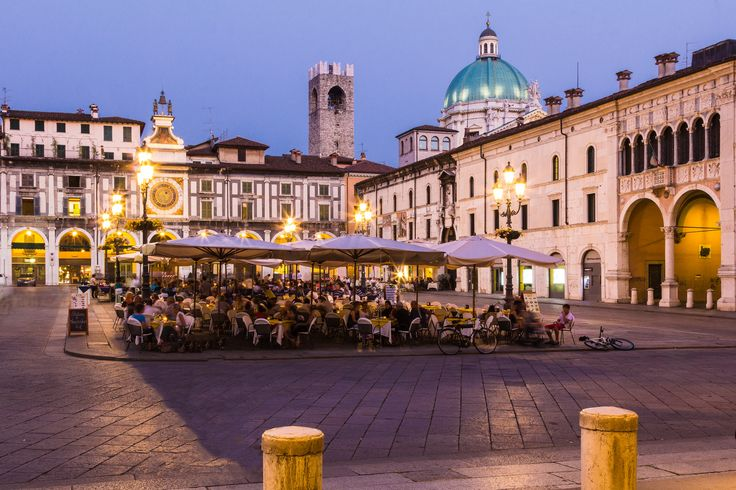 Brescia Piazza delle logge | da Antonio Casti