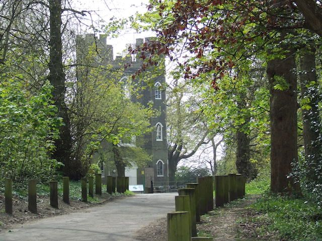A Trip To London's Least-Known Castle - Among the hidden gems of south east London is the little-known Severndroog Castle, on Shooter's Hill. Run by councils until funds dried up in 1988, it suffered a period of dilapidation until 2003 when plans to lease the disused building as offices galvanised a group of residents. They didn't want the surrounding ancient woodland chopped down, so formed the Severndroog Castle Building Preservation Trust and restored the building and reopened it to the…