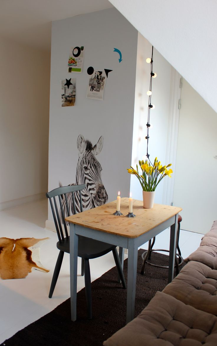 Our Magnet Wallpaper Zebra in an Apartment in Copenhagen
