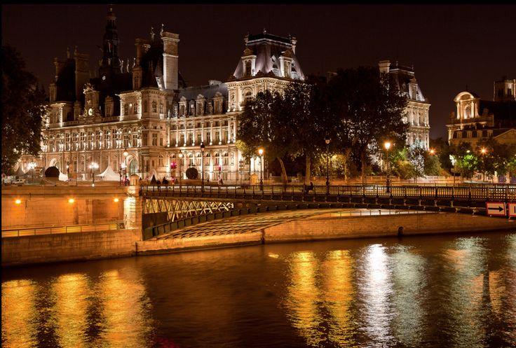 Hôtel de Ville et Pont d'Arcole