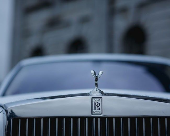 White Phantom Hire In Edinburgh Rolls Royce Phantom White Hire Cars For Stars Edinburgh Rolls Royce Phantom White Rolls Royce Phantom Rolls Royce