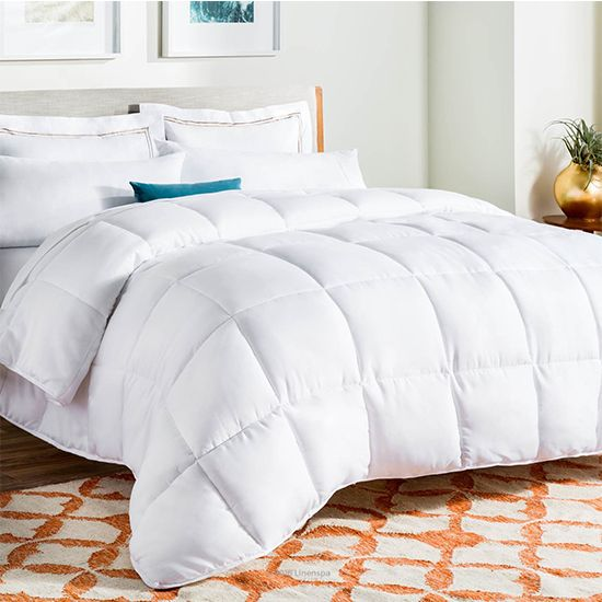 Deal of the Day: 57% Off LinenSpa White Down Comforter