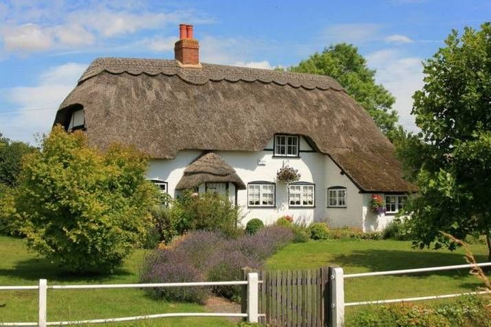 thatched roof houses Thatched Roof, Dreams, Fairies Home, British, English Cottages, Beautiful Places, Fairies House, Vegetables Gardens, Thatched Cottages