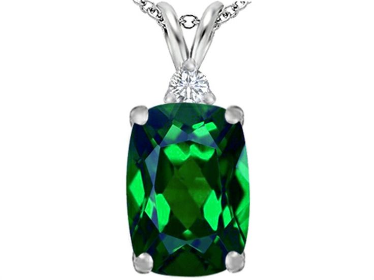 Star K Large 14x10mm Cushion Cut Simulated Emerald Pendant Necklace