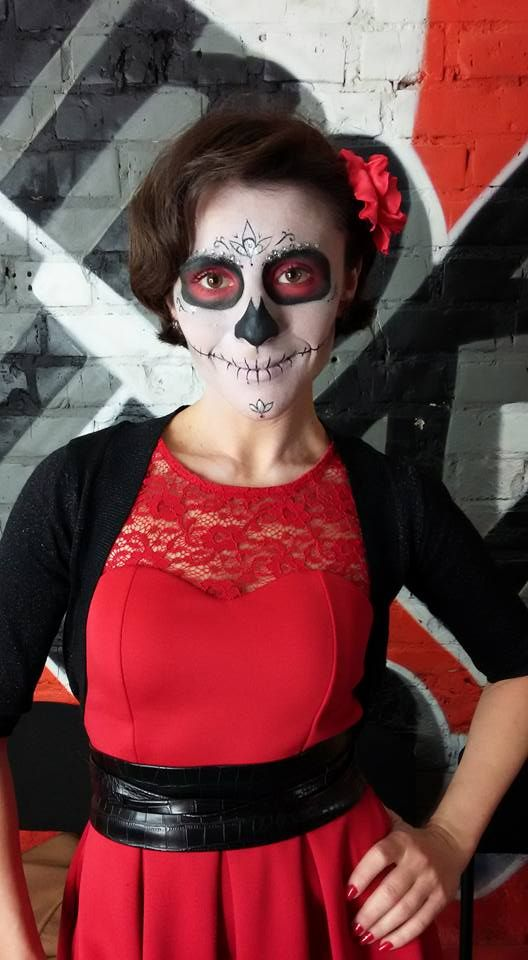 my makeup on halloween mua: Maryana Kupchuk спасибо Виктории за фото #визажист #makeup #макияж #марьянакупчук #mua #marynakupchuk #halloween #girl #binoklstudio #sugarskull